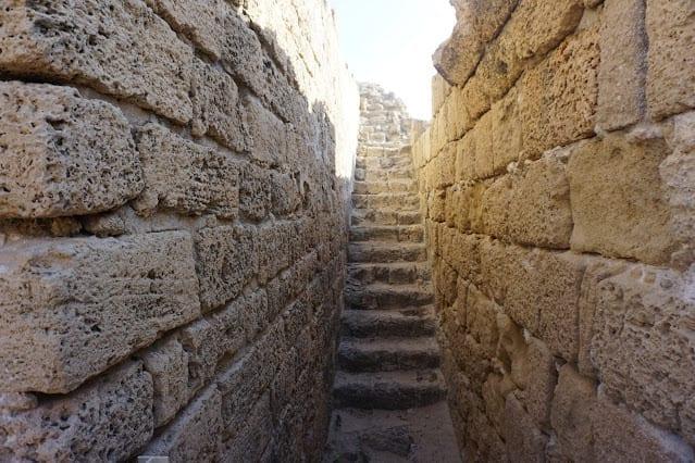 המדרגות במצודת אשדוד ים