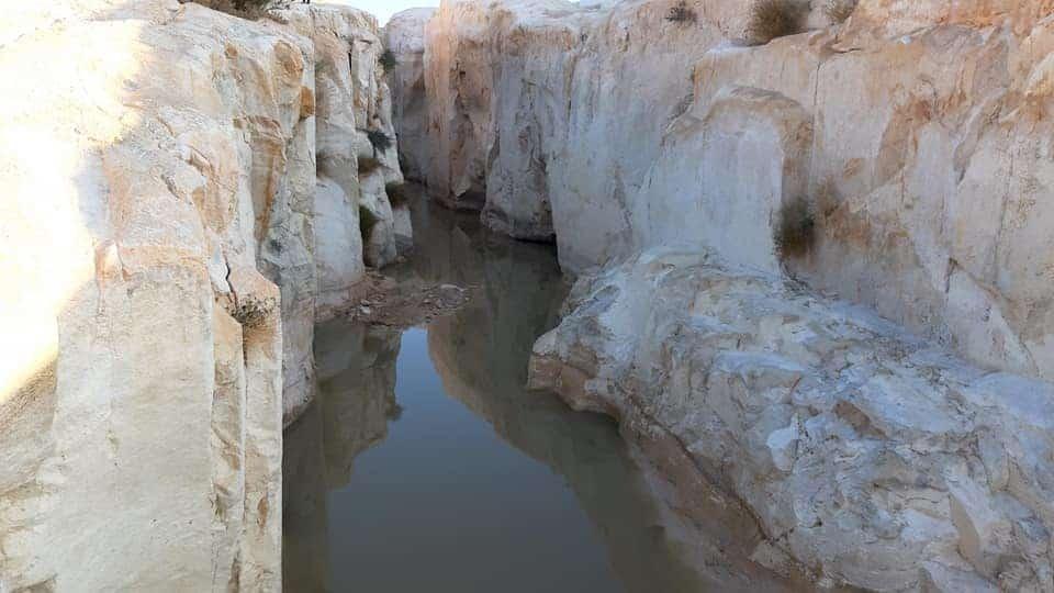 מים בקניון הלבן