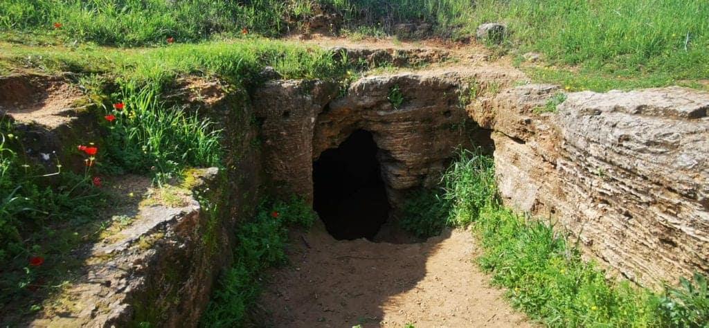מערות קבורה עתיקות